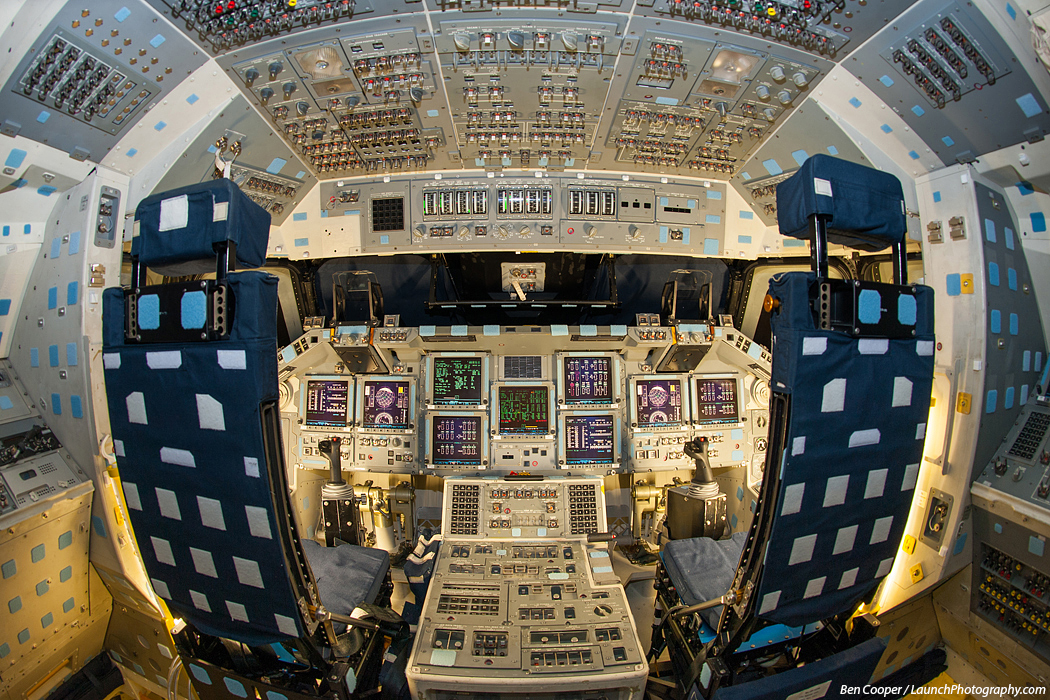 Three Space Shuttle flight decks photos - Boing Boing